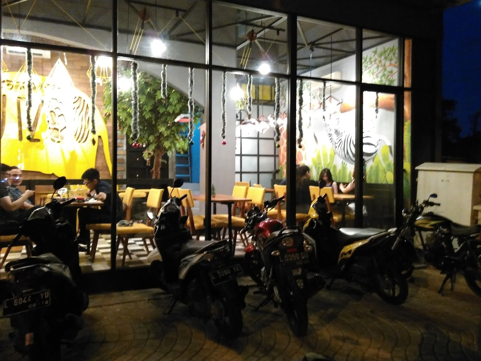 Dobutzoo Ruko Walk W2 36 Citraland Surabaya Kemaren Kita Sekitar