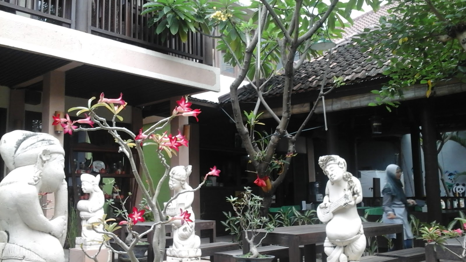 Kuliner Surabaya Nge Lumbung Resto Walk Bisa Dihitung Jari Sih