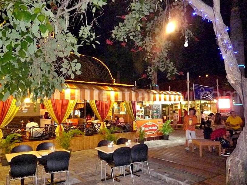 Malam Minggu Surabaya Antara Loop Gwalk 1001wisata P1100128 Copy Walk