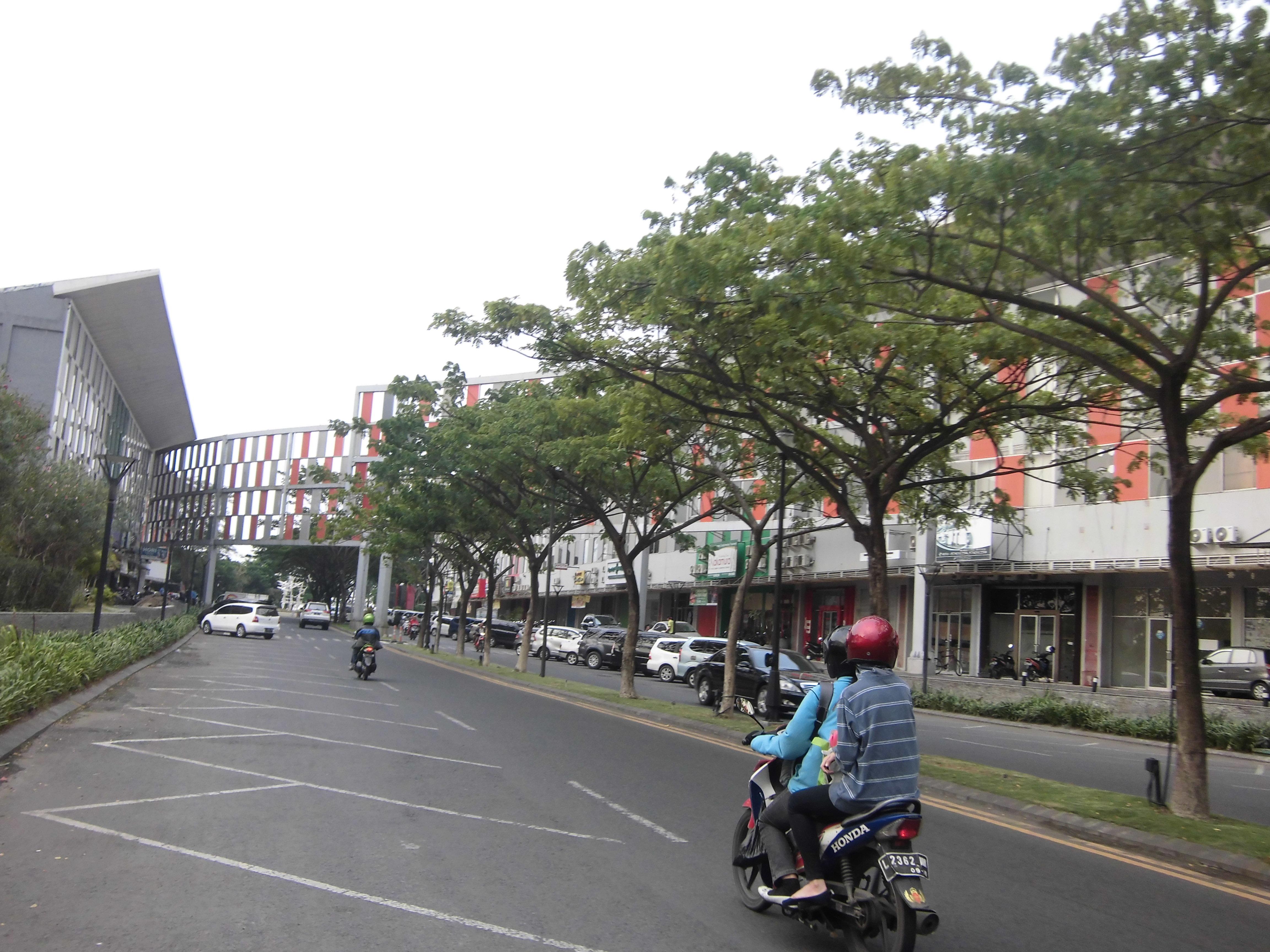 Walk Surabaya Machalulardianto Wordpress Sekilas Mirip Pusat Makanan Outdoor Modern