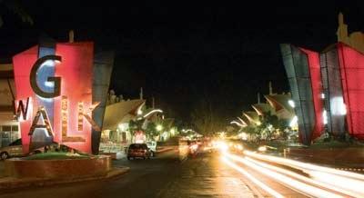 Wisata Kota Pahlawan Surabaya Menikmati Malam Ala Gwalk Suasana Berbeda