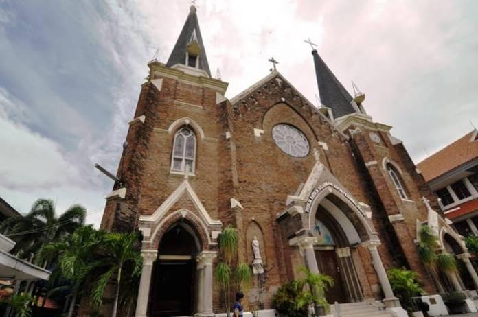 22 Destinasi Wisata Terbaik Surabaya Sekitarnya Tokopedia Blog Gereja Perawan