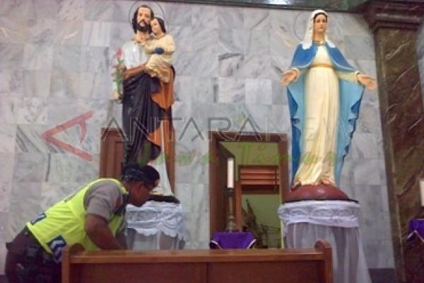 Strerilisasi Gereja Gresik Antara News Jawa Timur Perawan Maria Tak