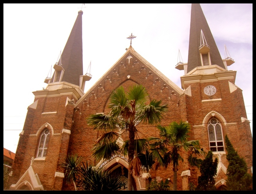Wisata Religi Surabaya Gereja Perawan Maria Tak Berdosa Kota