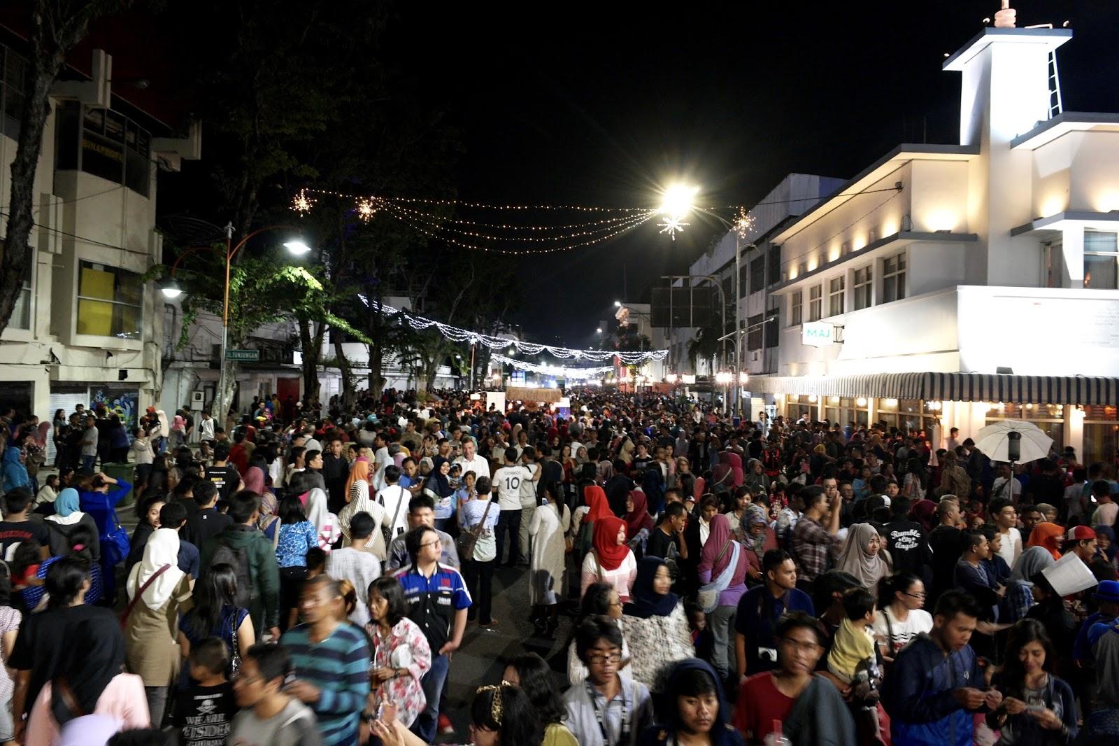 Event Festival Kuliner Jalan Tunjungan Surabaya Penuh Kota