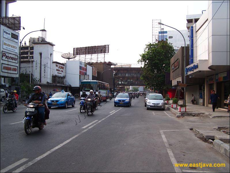 Galeri Foto Jalan Tunjungan Surabaya Tempat Bersejarah Bagi Bangsa Kota