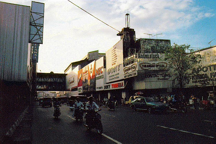 Jalan Tunjungan 1998 Foto Surabaya Kota