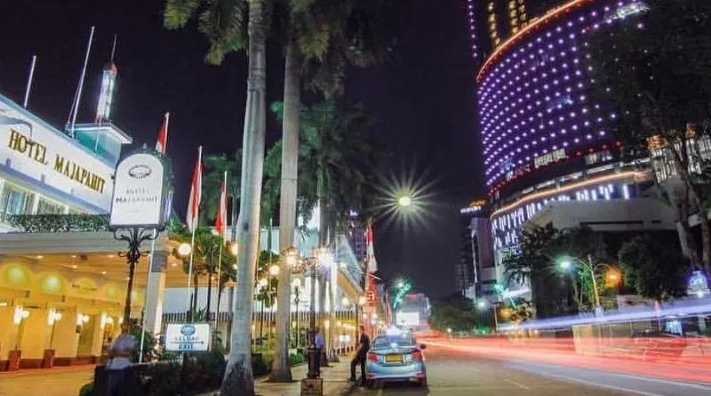 Jalan Tunjungan Semakin Cantik Malam Hari Kastara Id Surabaya Kota
