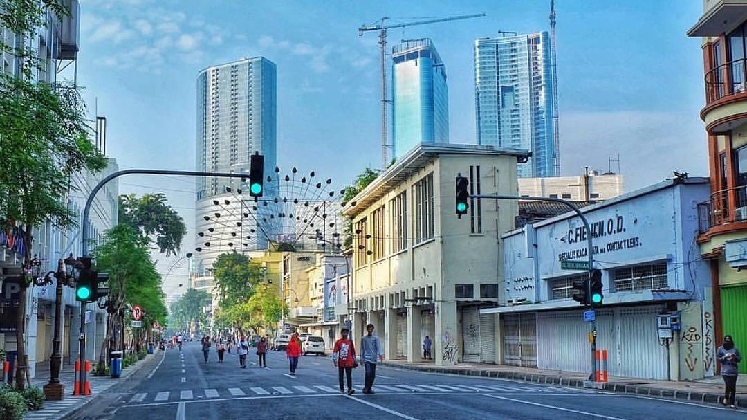 Jalan Tunjungan Surabaya Kota Dolan Dolen Dolaners