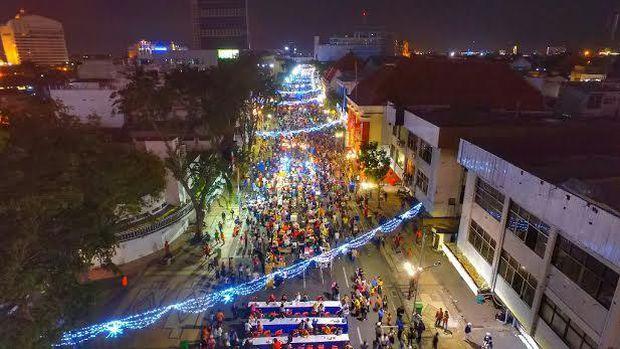 Keceriaan Risma Festival Kuliner Jalan Tunjungan Kota Surabaya