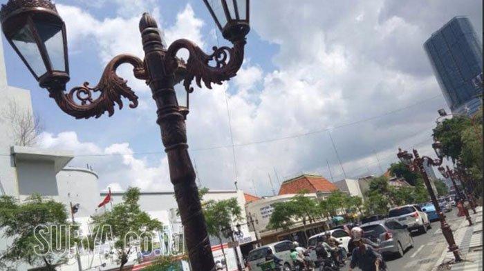 Keren Jl Tunjungan Surabaya Makin Eksotik Lampu Hias Kuno Jalan