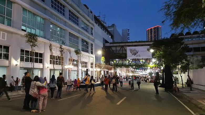 Kota Risma Kembali Hidupkan Jalan Tunjungan Penuh Sejarah Wali Surabaya