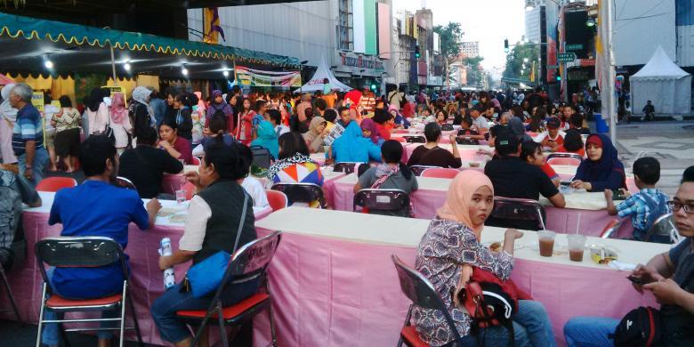 Meriahnya Festival Kuliner Jalan Tunjungan Surabaya Kompas Kota