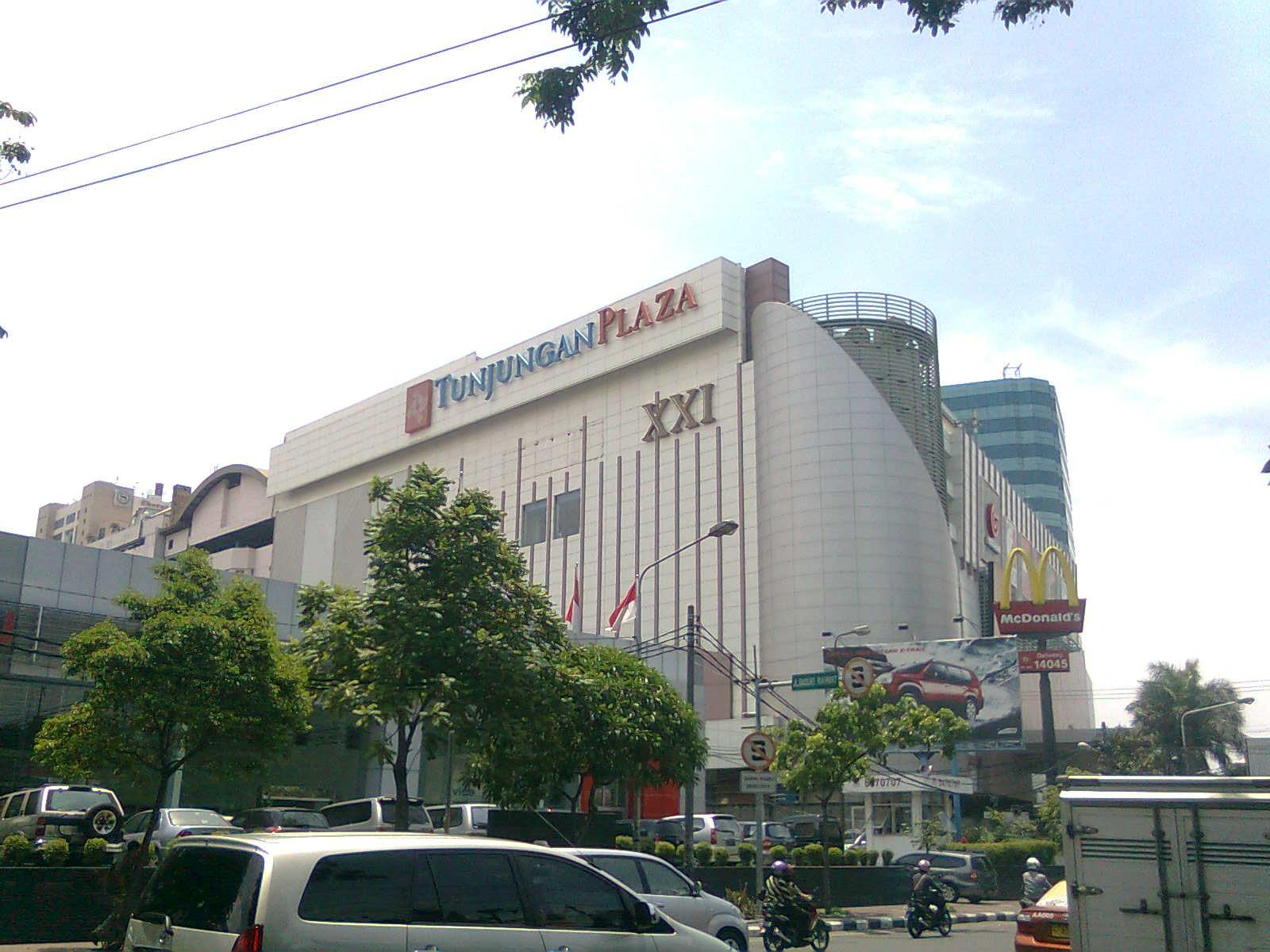 Tunjungan Plaza Sejuta Umat Panduan Wisata Surabaya Pusat Perbelanjaan Populer