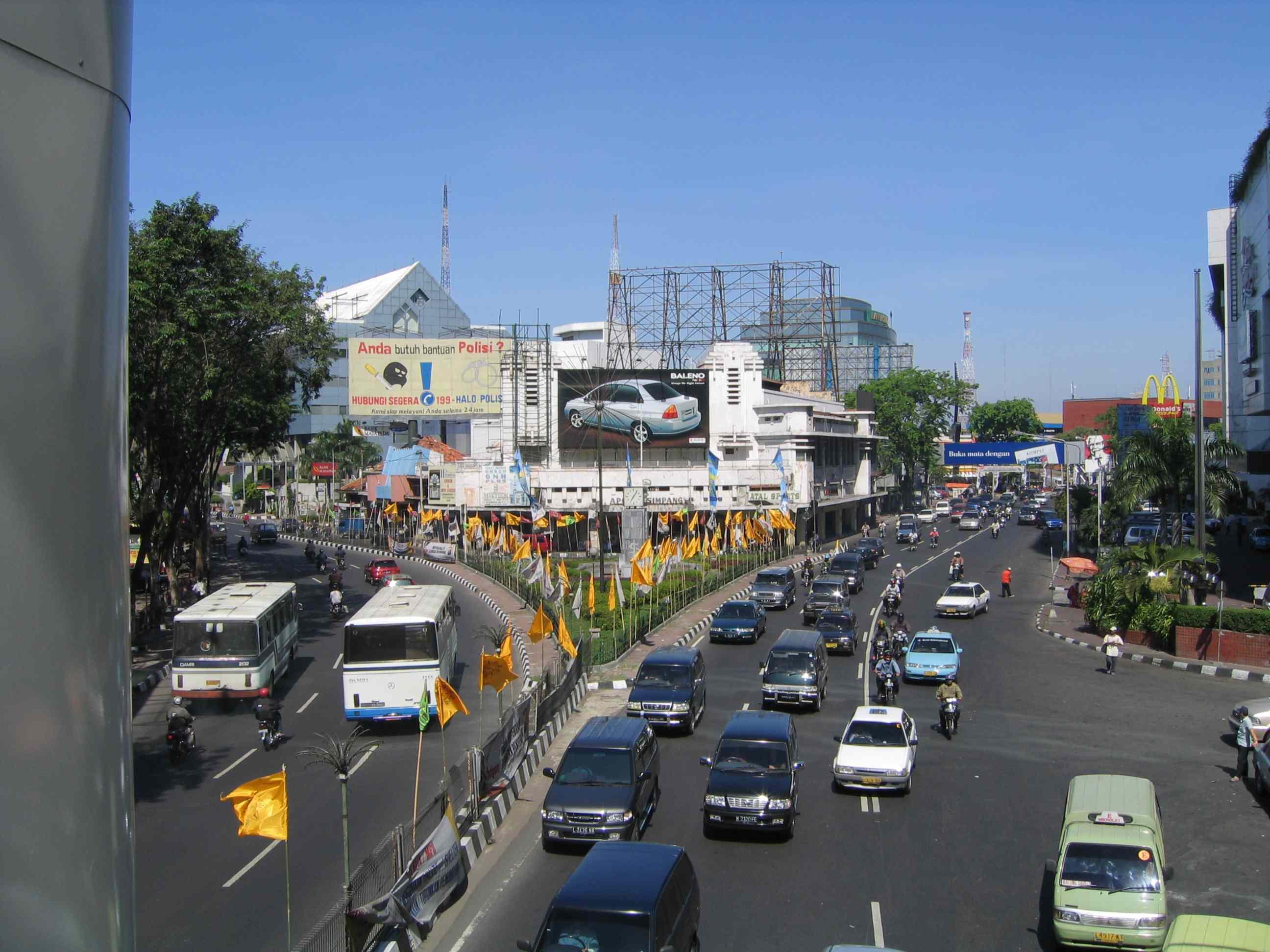 Warna Warni Jalan Tunjungan 1001wisata Kota Surabaya