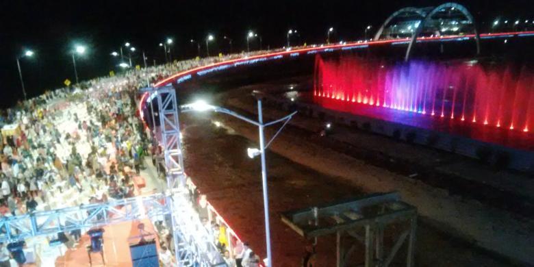 Air Mancur Menari Jembatan Suroboyo Dinyalakan Setiap Malam Minggu Kontributor