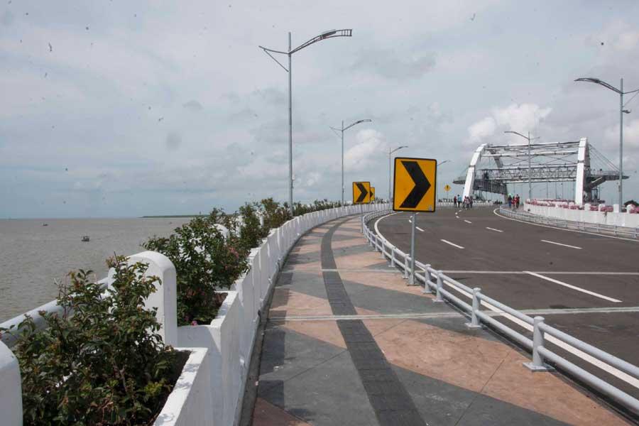 Dibuka Jadwal Nonton Air Mancur Menari Jembatan Suroboyo Kenjeran Surabaya