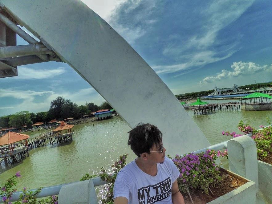 Jembatan Kenjeran Spot Foto Instagramable Kota Surabaya