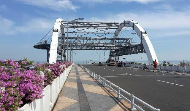 Jembatan Surabaya Daya Tarik Pantai Kenjeran Oleh Irwan Kota