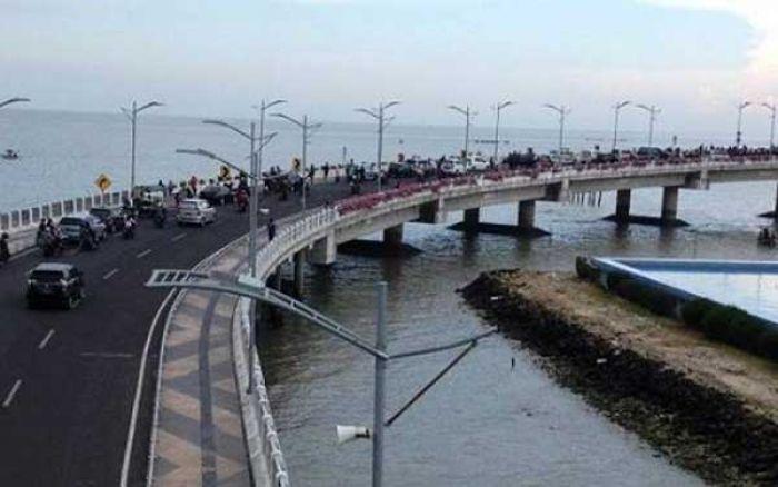 Jembatan Thp Kenjeran Ramai Dikunjungi Wisatawan Bangsa Online Surabaya Kota