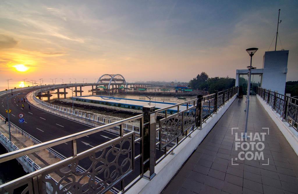 Menikmati Pagi Jembatan Kenjeran Surabaya Lihatfoto Dibangun Kawasan Sebagai Destinasi
