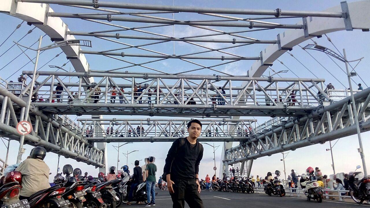 Menikmati Pemandangan Jembatan Suramadu Kenjeran Surabaya Kota
