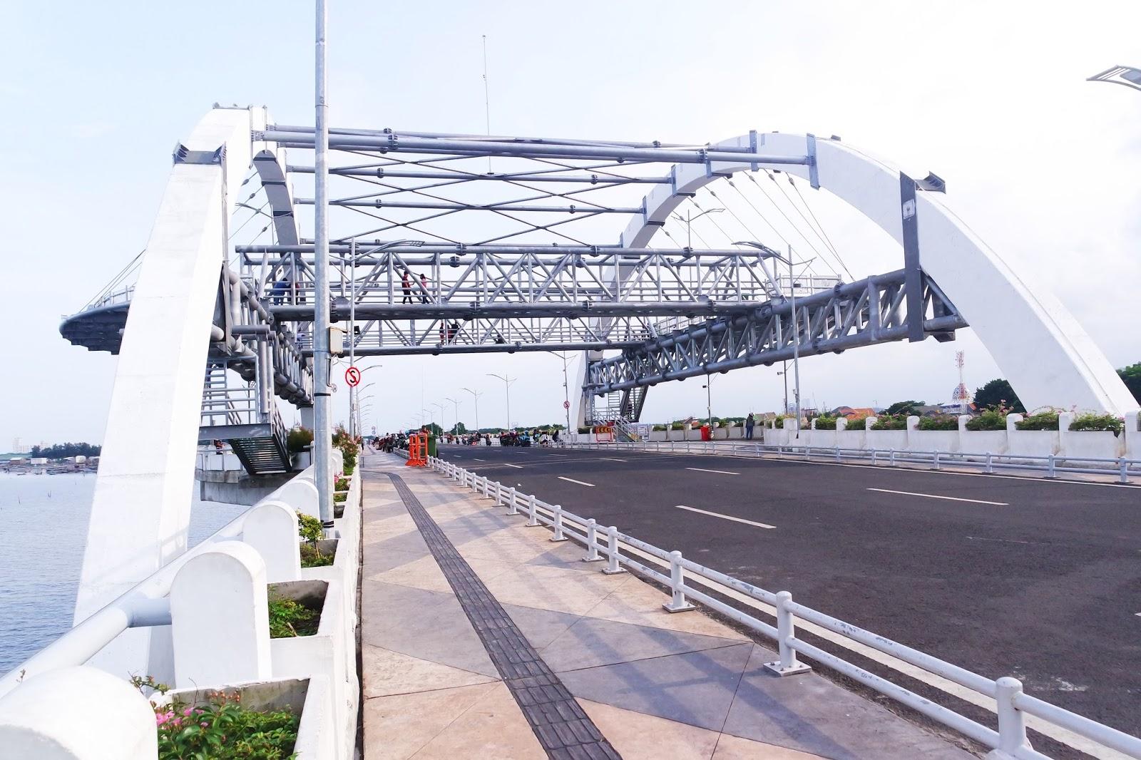 Pesona Keindahan Jembatan Kenjeran Surabaya Good Time Place Salah Satu