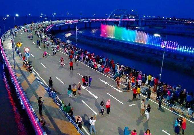Wisata Air Mancur Kenjeran Surabaya Pjc Travel Jembatan Suroboyo Salah