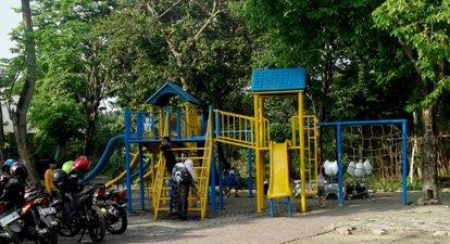 Kebun Bibit Surabaya Jawa Timur Wongcrewchild Sarana Bermain Anak Kota