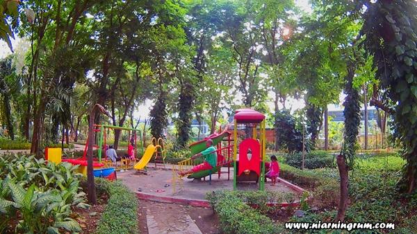 Surabaya Kebun Bibit Taman Flora Mini Fores Bermain Luas Dibelakang