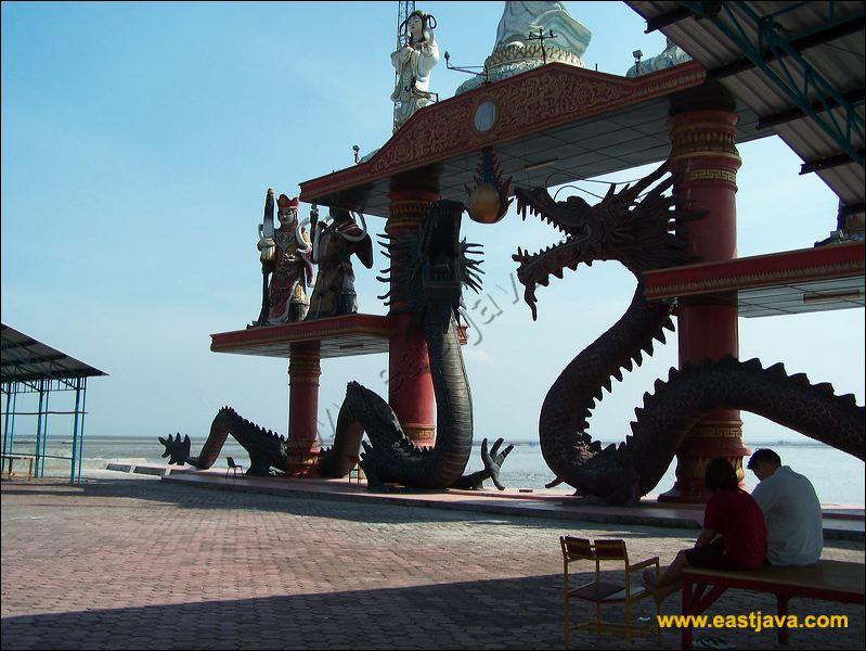 Galeri Foto Klenteng Sanggar Agung Hong Shan Tang Bergaya Bali