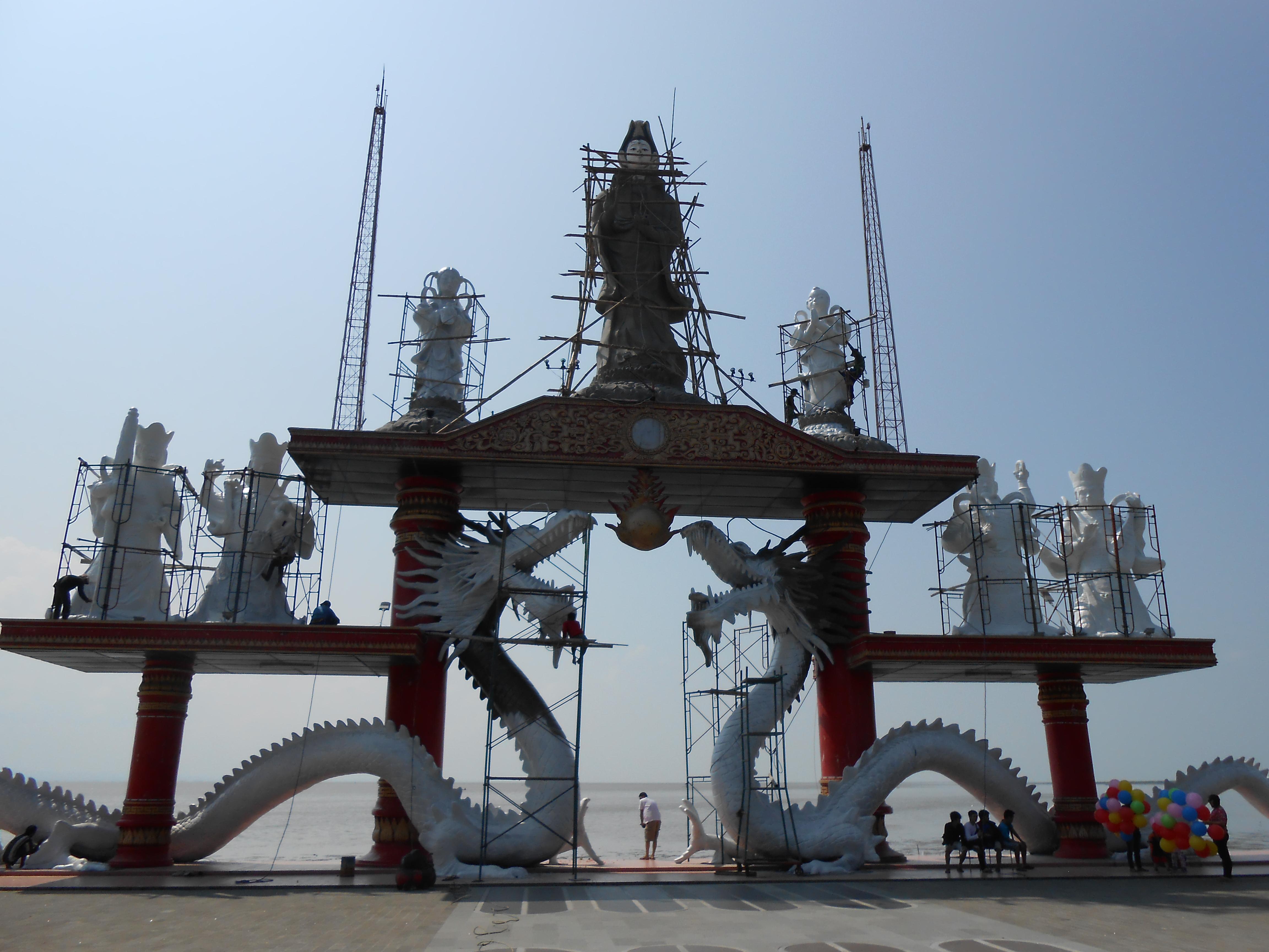 Klenteng Sanggar Agung Pagoda Tian Ti Terabaikan Eveline Patung Dewi