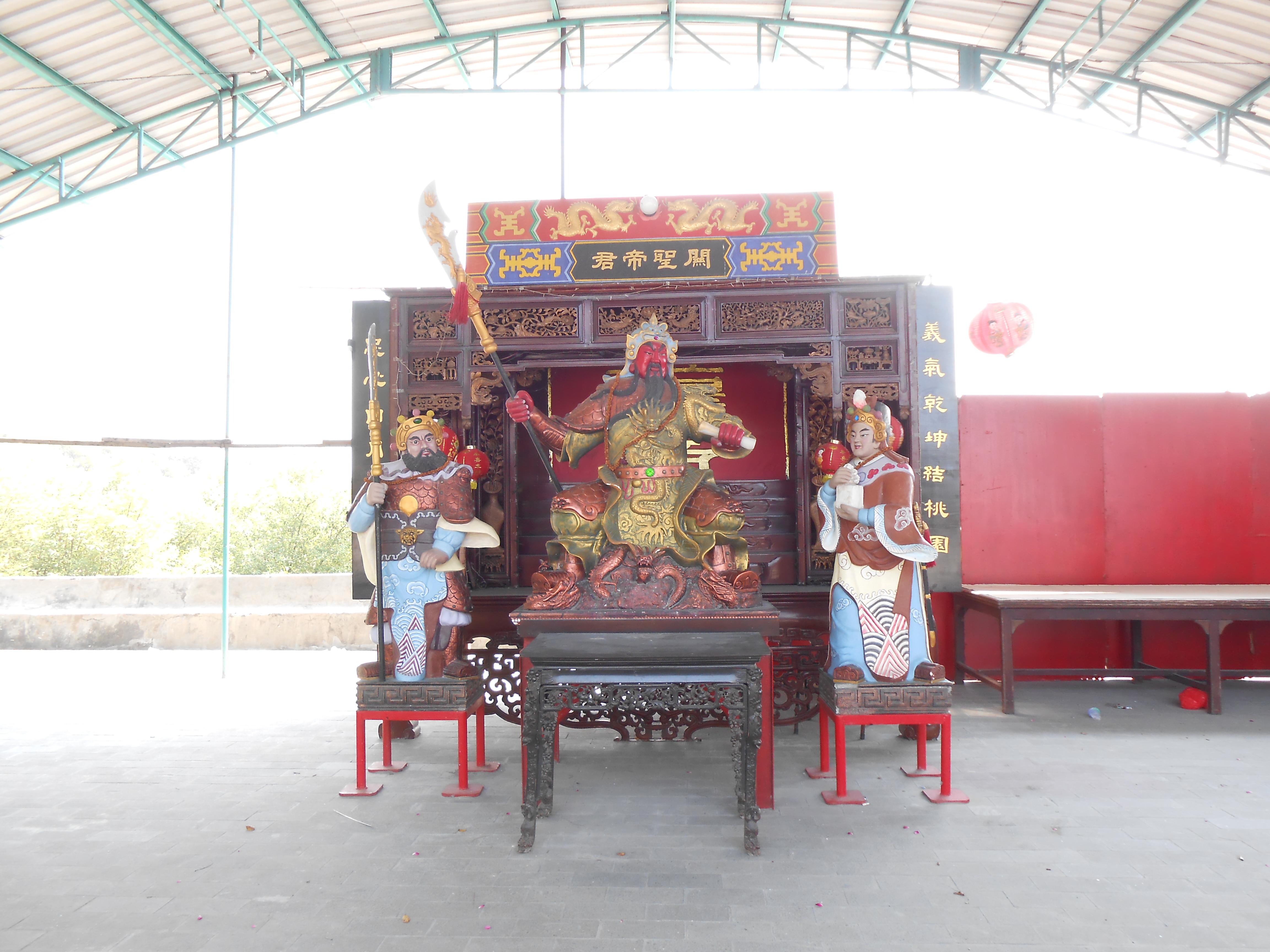 Klenteng Sanggar Agung Pagoda Tian Ti Terabaikan Eveline Patung Guang