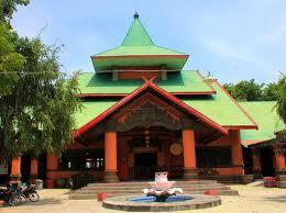Klenteng Sanggar Agung Surabaya Laksana Mahkota Pantai Kenjeran Sangar Kota