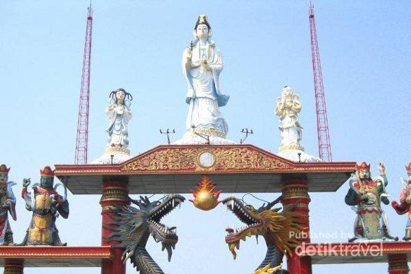 Patung Buddha Empat Wajah Surabaya Kelenteng Sanggar Agung Kenjeran Klenteng