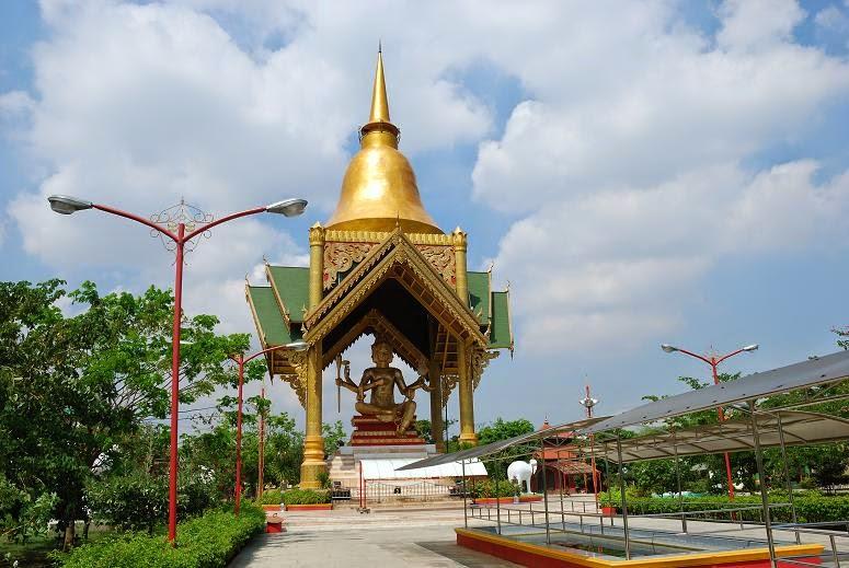 Patung Budha Empat Wajah Surabaya Catatan Waktu Terletak Area Wisata