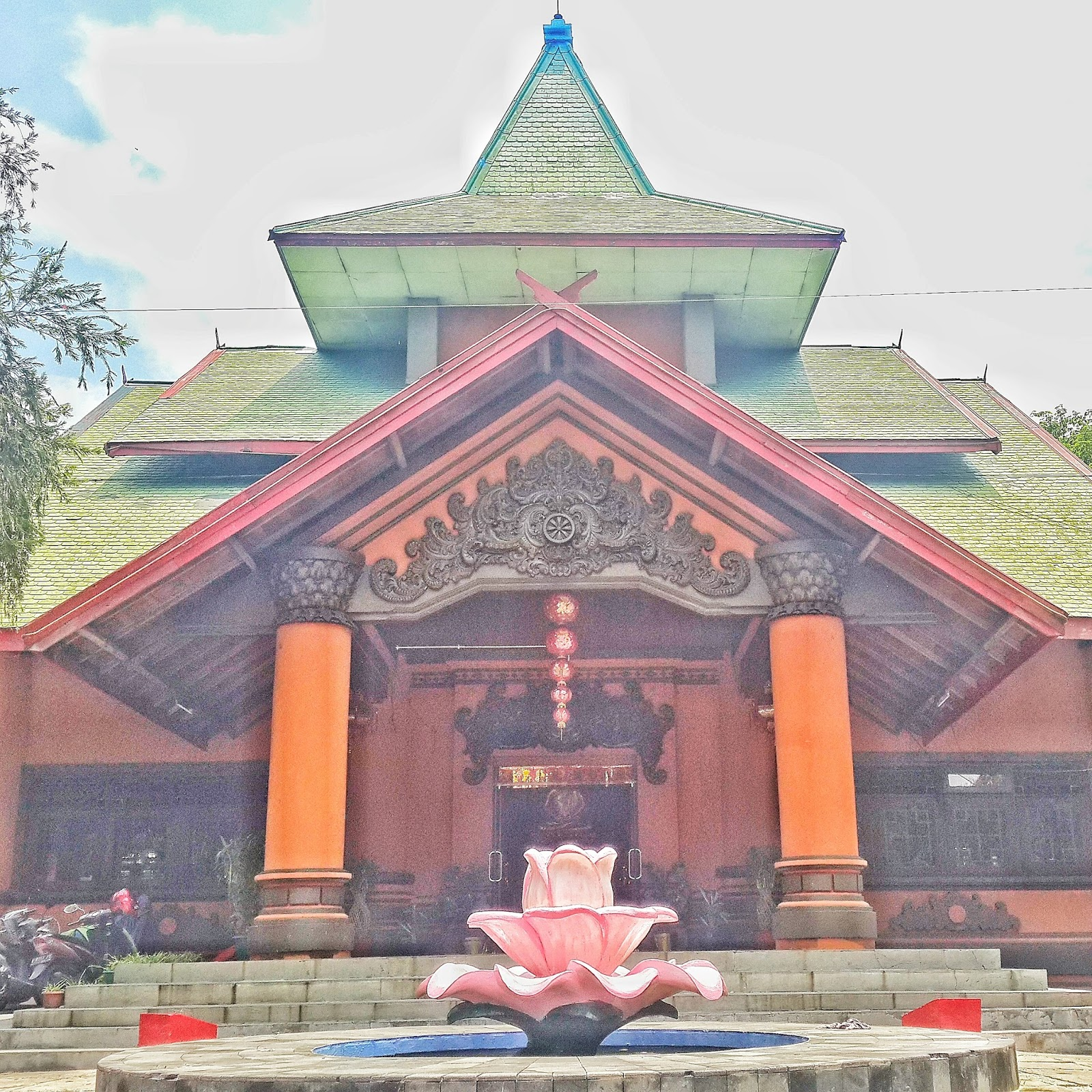 Puteri Hujan Ketemu Dewi Kwan Im Budha Surabaya Kenjeran Klenteng