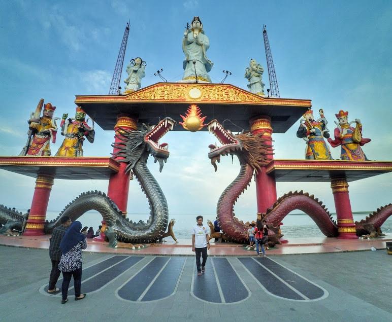 Sangarnya Patung Dewi Kwan Im Klenteng Sanggar Agung Surabaya Kota