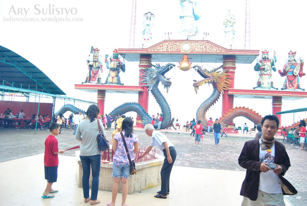 Sanggar Agung Indonesaurus Hong San Tang Kelenteng Kenjeran Surabaya Klenteng