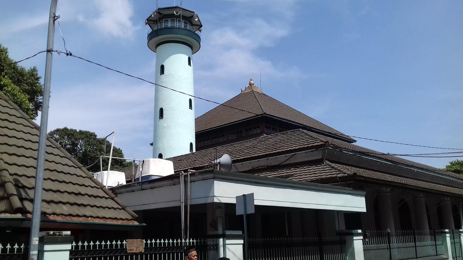 596 Usia Masjid Sunan Ampel Surabaya Bunda Tri Kota
