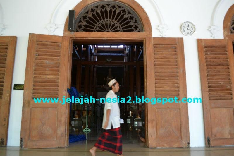 Jelajah Nesia 2 Masjid Ampel Legendaris Kota Surabaya Kejauhan Tampak