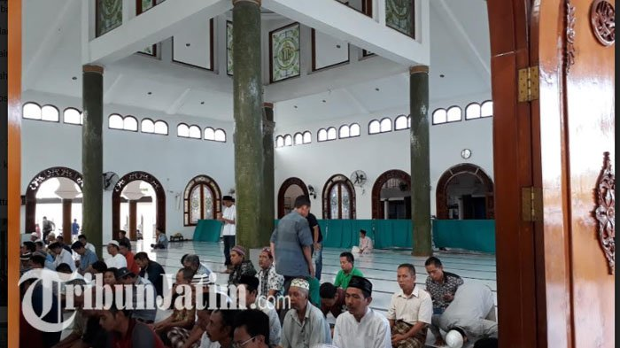 Mari Mengintip Masjid Rahmat Kembang Kuning Pertama Buatan Sunan Ampel