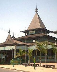 Masjid Agung Sunan Ampel Surabaya Jawa Timur Sepuluh Tertua Indonesia