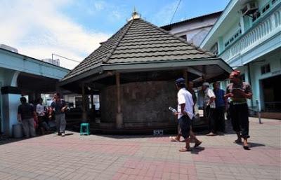 Masjid Ampel Makam Sunan Wisata Religi Menarik Surabaya Kota
