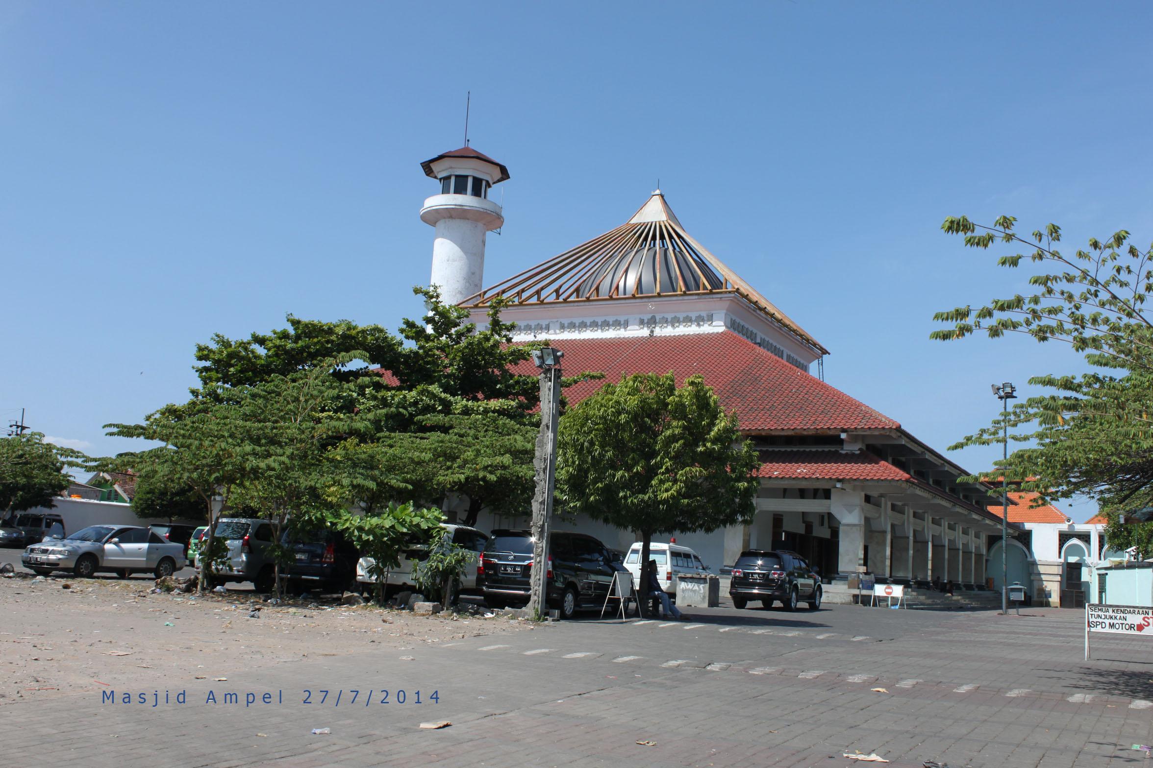 Masjid Ampel Siluet Jingga Kota Surabaya