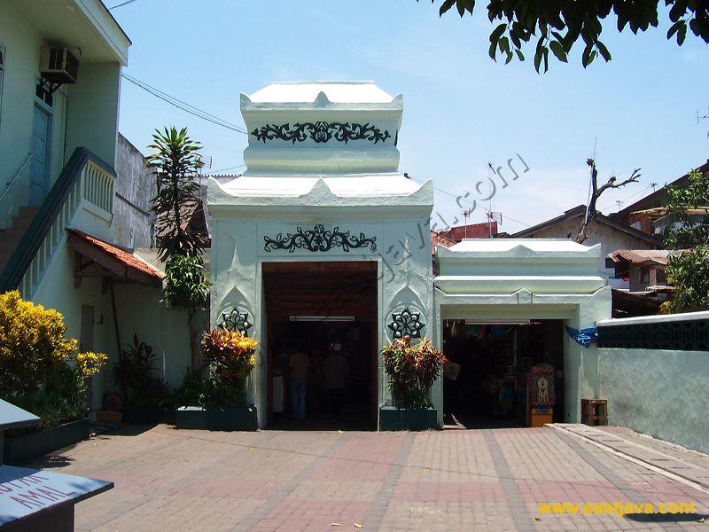 Masjid Sunan Ampel Dibangun 1421 Menjadi Kampung Arab Kota Surabaya
