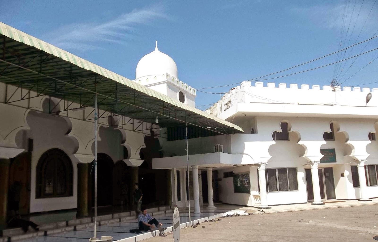 Menilik Sejarah Masjid Tertua Kota Pahlawan Rahmat Pertama Berdiri Tegap