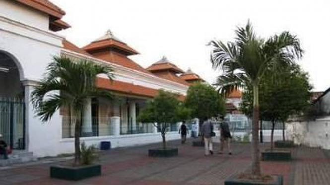 Pesona Wisata Religi Makam Sunan Ampel Viva Image Title Photo