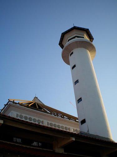 Rindu Masjid Sunan Ampel Surabaya Menara Bersejarah Kota