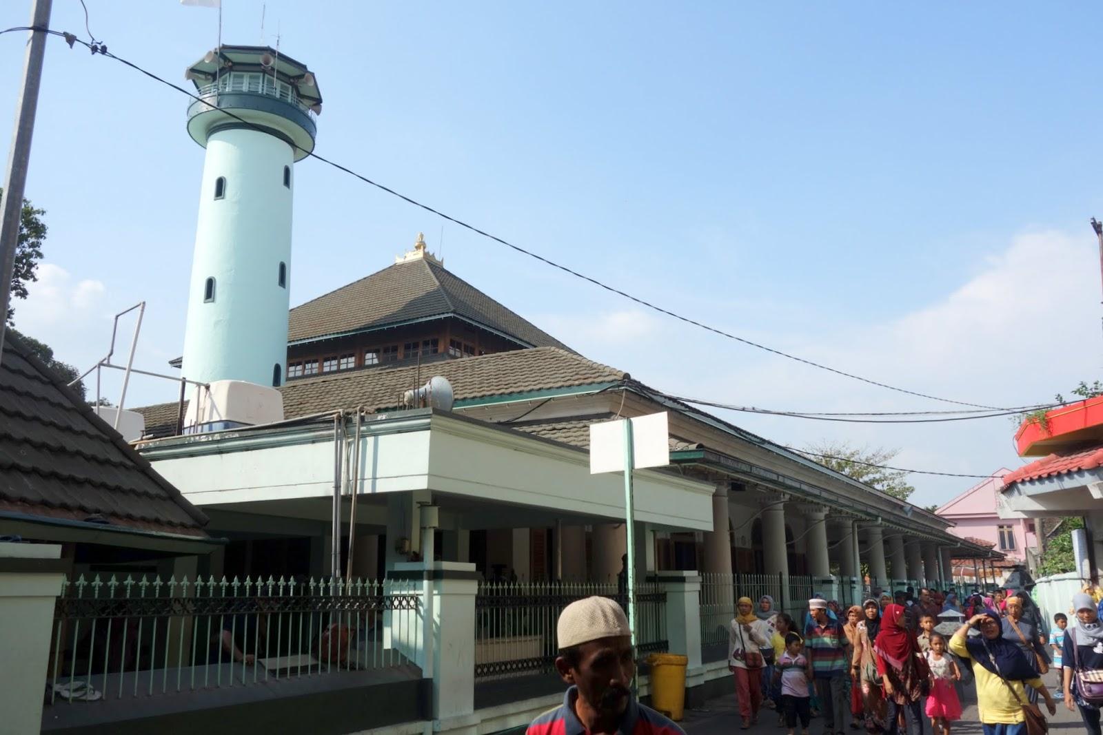 Tentang Indonesia Masjid Sunan Ampel Surabaya Pergi Berwisata Religi Tua